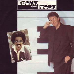 Albumcover Paul McCartney und Stevie Wonder - Ebony And Ivory / Rainclouds
